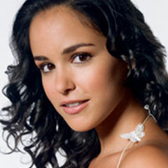 Melissa Fumero - Bildurheber: By American Broadcasting Company; uploaded by FrickFrack from http://abc.go.com/daytime/onelifetolive/gallery/72881_1.html, https://en.wikipedia.org/w/index.php?curid=36895985