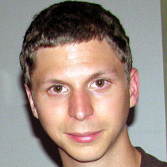Michael Cera - Bildurheber: Von Phil Plait - Michael Cera, CC BY-SA 2.0, https://commons.wikimedia.org/w/index.php?curid=17030068