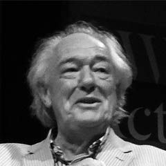 Michael Gambon - Bildurheber: Von IamIrishwikiuser - Cropped version of File:Michael Gambon.jpg, CC BY-SA 3.0, https://commons.wikimedia.org/w/index.php?curid=38008922