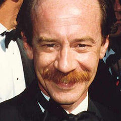Michael Jeter - Bildurheber: Von Photo by Alan Lightderivative work: Bea - Michael Jeter at the 44th Emmy Awards.jpg, CC BY 2.0, https://commons.wikimedia.org/w/index.php?curid=9578811