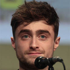 Daniel Radcliffe - Bildurheber: Von Gage Skidmore - https://www.flickr.com/photos/gageskidmore/14778996604/, CC BY-SA 2.0, https://commons.wikimedia.org/w/index.php?curid=38008935