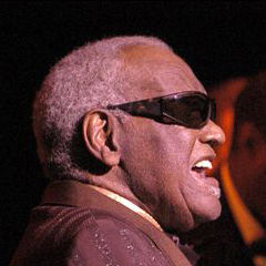 Ray Charles - Bildurheber: Von Victor Diaz Lamich, CC BY 3.0, https://commons.wikimedia.org/w/index.php?curid=3606167