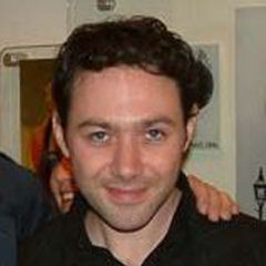 Reece Shearsmith - Bildurheber: By Scott Matthewman from Aylesbury, UK - Flickr, CC BY-SA 2.0, https://commons.wikimedia.org/w/index.php?curid=1282692