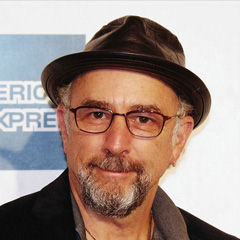 Richard Schiff - Bildurheber: Von David Shankbone - Eigenes Werk, CC BY 3.0, https://commons.wikimedia.org/w/index.php?curid=19264984