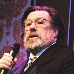 Ricky Tomlinson - Bildurheber: By Andrew Hurley (User Andrew_D_Hurley at Flickr) - http://www.flickr.com/photos/andrewhurley/5422719222, CC BY-SA 2.0, https://commons.wikimedia.org/w/index.php?curid=20050044