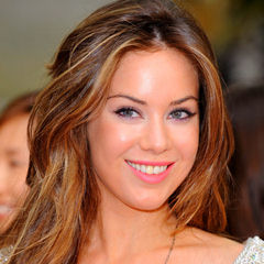Roxanne McKee - Bildurheber: Von Elspeth Renfrew - Roxanne McKee - 2, CC BY-SA 2.0, https://commons.wikimedia.org/w/index.php?curid=54783578