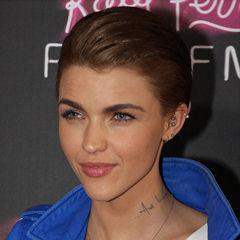 Ruby Rose - Bildurheber: By Eva Rinaldi - Ruby Rose, CC BY-SA 2.0, https://commons.wikimedia.org/w/index.php?curid=20365524