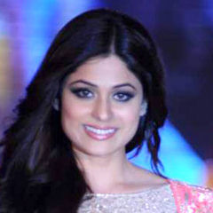 Shamita Shetty - Bildurheber: Von http://www.bollywoodhungama.com - http://www.bollywoodhungama.com/more/photos/view/stills/parties-and-events/id/1459711, CC BY 3.0, https://commons.wikimedia.org/w/index.php?curid=20129844