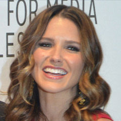 Sophia Bush - Bildurheber: Von MingleMediaTVNetworkUploaded by MyCanon - Sophia Bush, CC BY-SA 2.0, https://commons.wikimedia.org/w/index.php?curid=21667933