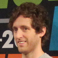 Thomas Middleditch - Bildurheber: By Daniel Benavides from Austin, TX - IMG_5788, CC BY 2.0, https://commons.wikimedia.org/w/index.php?curid=48898562