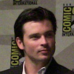 Tom Welling - Bildurheber: Von Kristin Dos Santos - Flickr, CC BY-SA 2.0, https://commons.wikimedia.org/w/index.php?curid=7402901