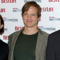 William Mapother - Bildurheber: Von VailFilmFest - File:Scott-Cross, William-Mapother, Ed-Vincent, Amy-Redford, Sean-Cross.jpg, CC-BY-SA 4.0, https://commons.wikimedia.org/w/index.php?curid=35963246