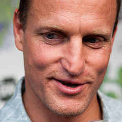 Woody Harrelson - Bildurheber: Von Steve Rogers, CC BY-SA 2.0, https://commons.wikimedia.org/w/index.php?curid=15184299